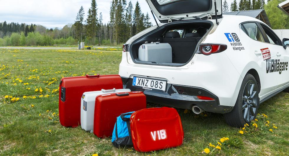 Lite bökigt att få in allt bagage på grund av den höga lasttröskeln.