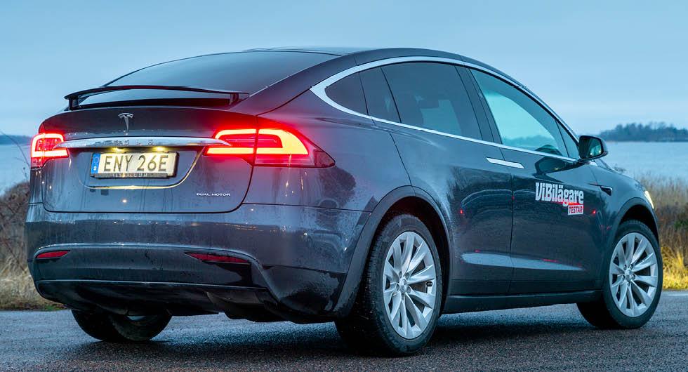 Tesla Model X drar tolv procent mer än Model S vilket innebär att räckvidden blir lika mycket kortare.