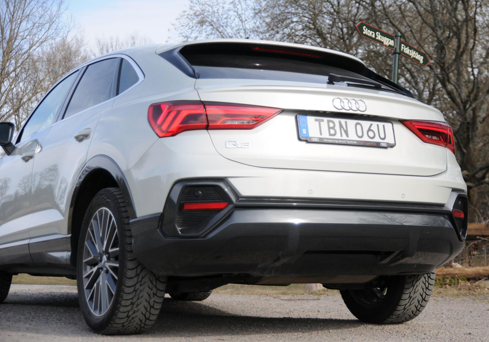 Q3 Sportback tappar 125 liter mot en standard Q3 i maximal lastvolym.