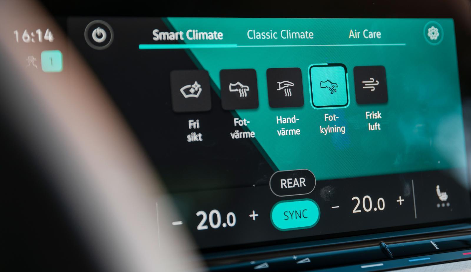 """Smart Climate"""" anpassar luftströmmarna och temperatur efter förarens behov. Testlaget upplevde funktionen som något konstlad, men visst är det kul att VW tänker nytt."""