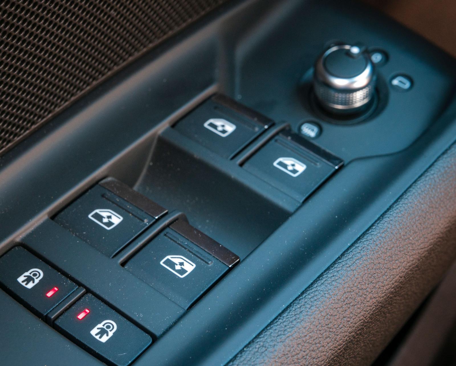 Audi Individuella elektriska barnlås. Storbilsfunktion i golfklassen.