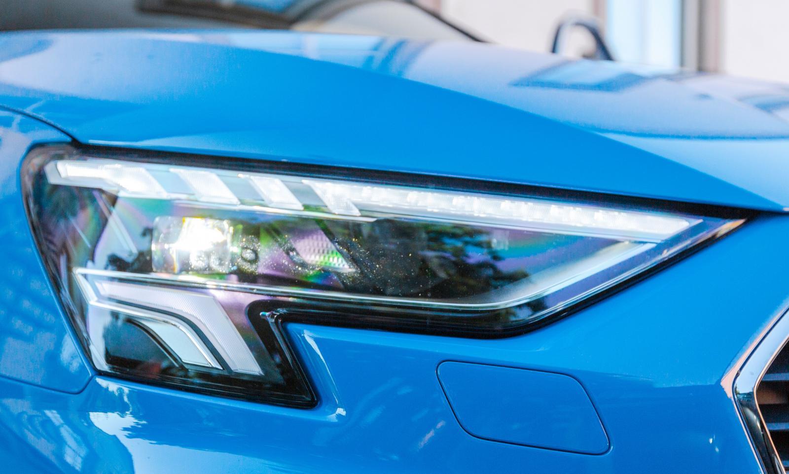 Audi luras, här finns ingen strålkastarspoling. 3200 kronor löser problemet.