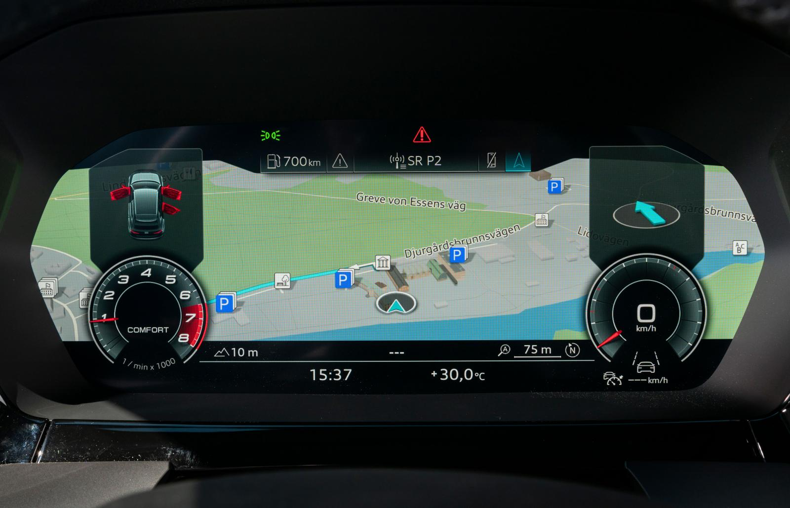 Skärmbaserad instrumentering är standard i A3, men finns i två utföranden. Möjligheten att kunna visa en stor kartbild och små mätartavlor har sina poänger.
