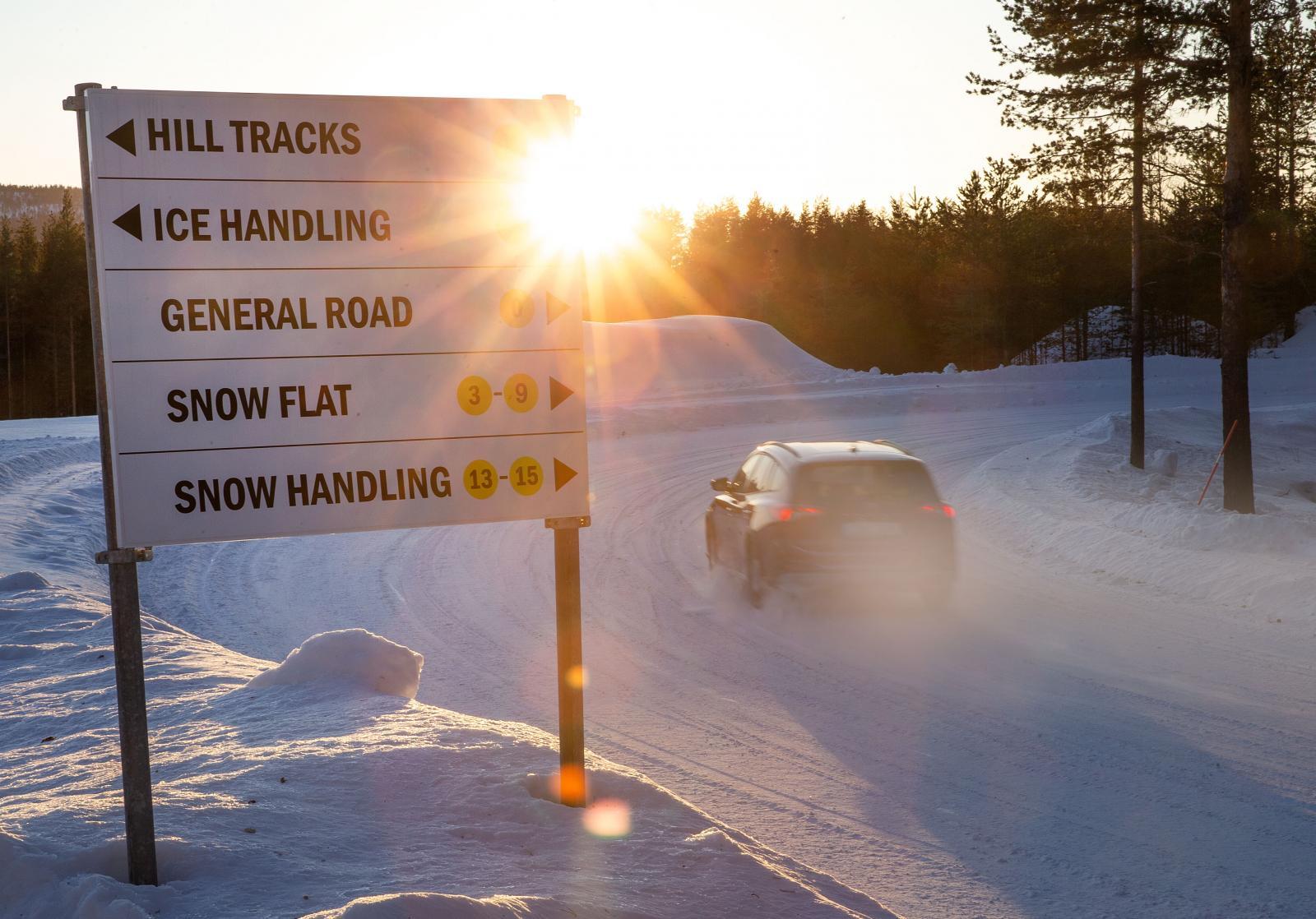 I skogarna utanför Älvsbyn gömmer sig en uppsjö av testbanor för fordonsindutrin. Allt började med Saabs vintertester 1987. Idag har Pirelli, Bridgestone och Yokohama var sin anläggning inom några mils radie.