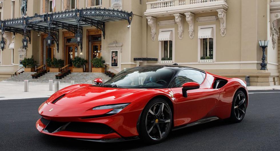 Ferrari SF90.