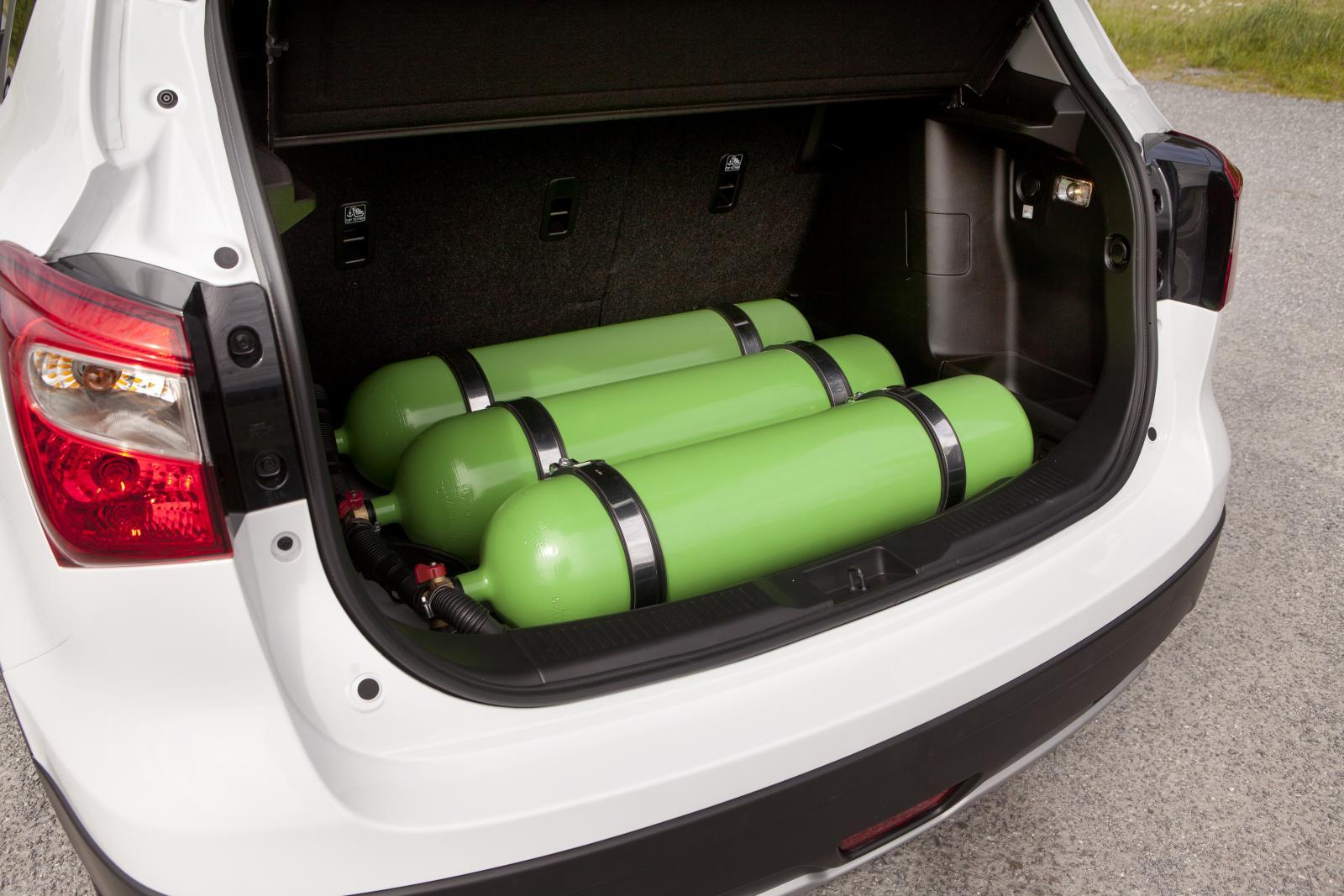 Gastankarna placeras i regel under golvet i bagageutrymmet. Risken för rostangrepp, som vi rapporterat om tidigare, blir därför minimal.