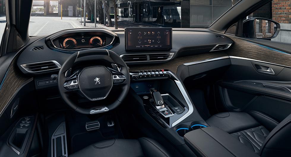 Huggtänder och klösmärken på uppdaterade Peugeot 5008