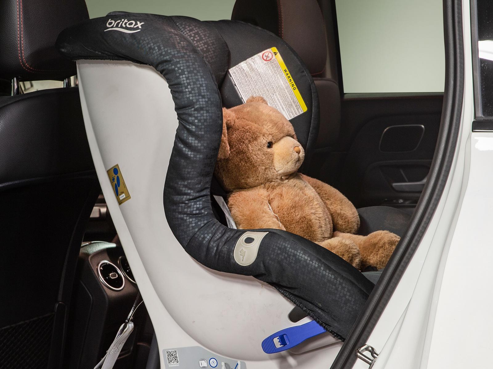 I Mercedes ryms barnstolarna lätt – precis som i Subaru och VW.