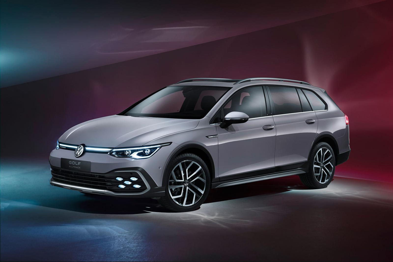 Premiär: Volkswagen Golf nu som kombi och Alltrack
