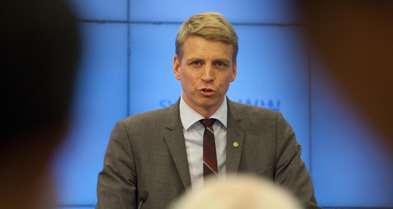 """""""Från Miljöpartiets sida vill vi gärna se ett tak på hur dyr en bil får vara för att kunna få bonus"""", säger biträdande finansminister Per Bolund (MP). Foto: Miljöpartiet"""
