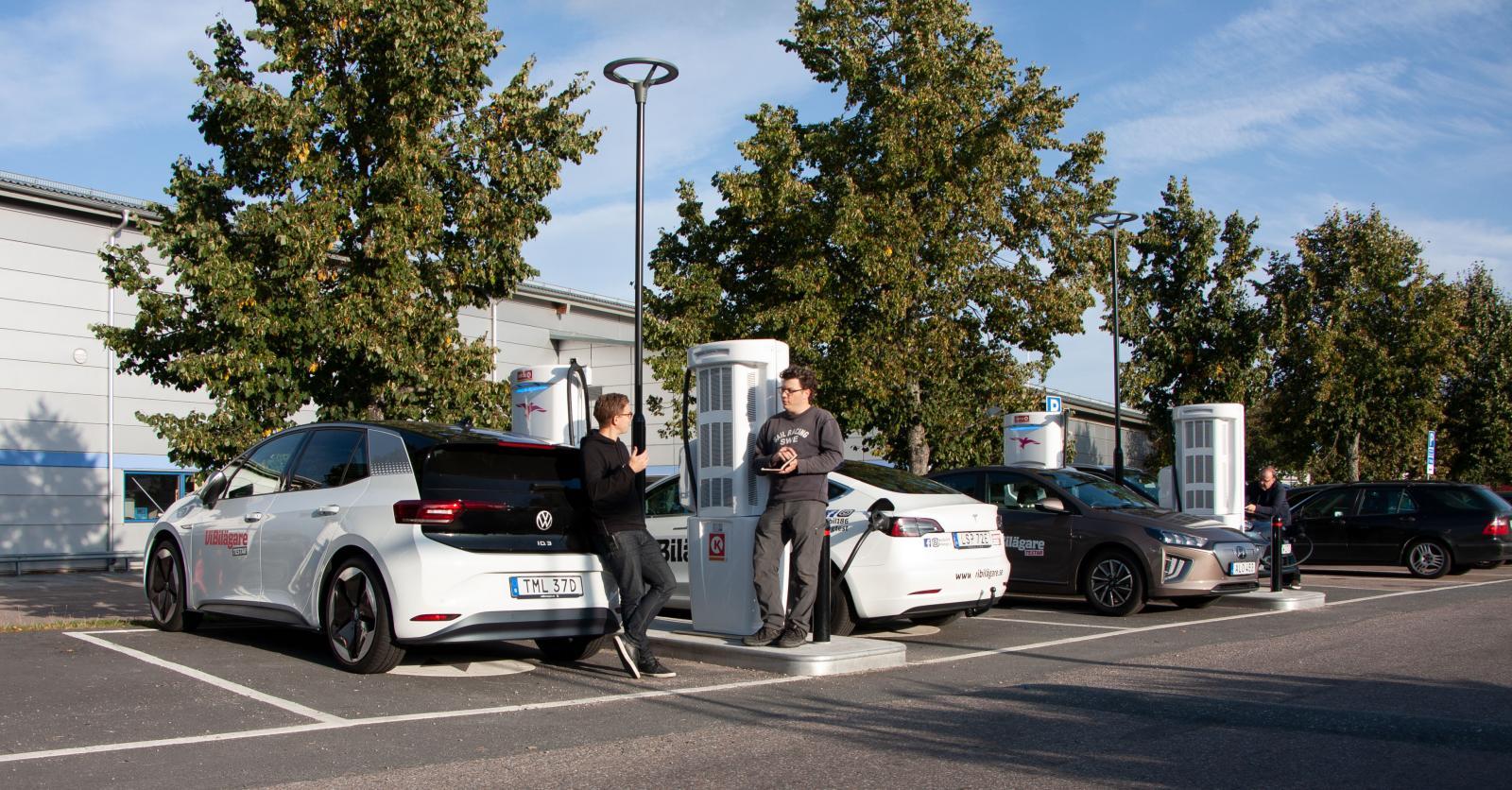 Till skillnad från Teslas Superchargers är Ionity öppet för fler bilmärken.