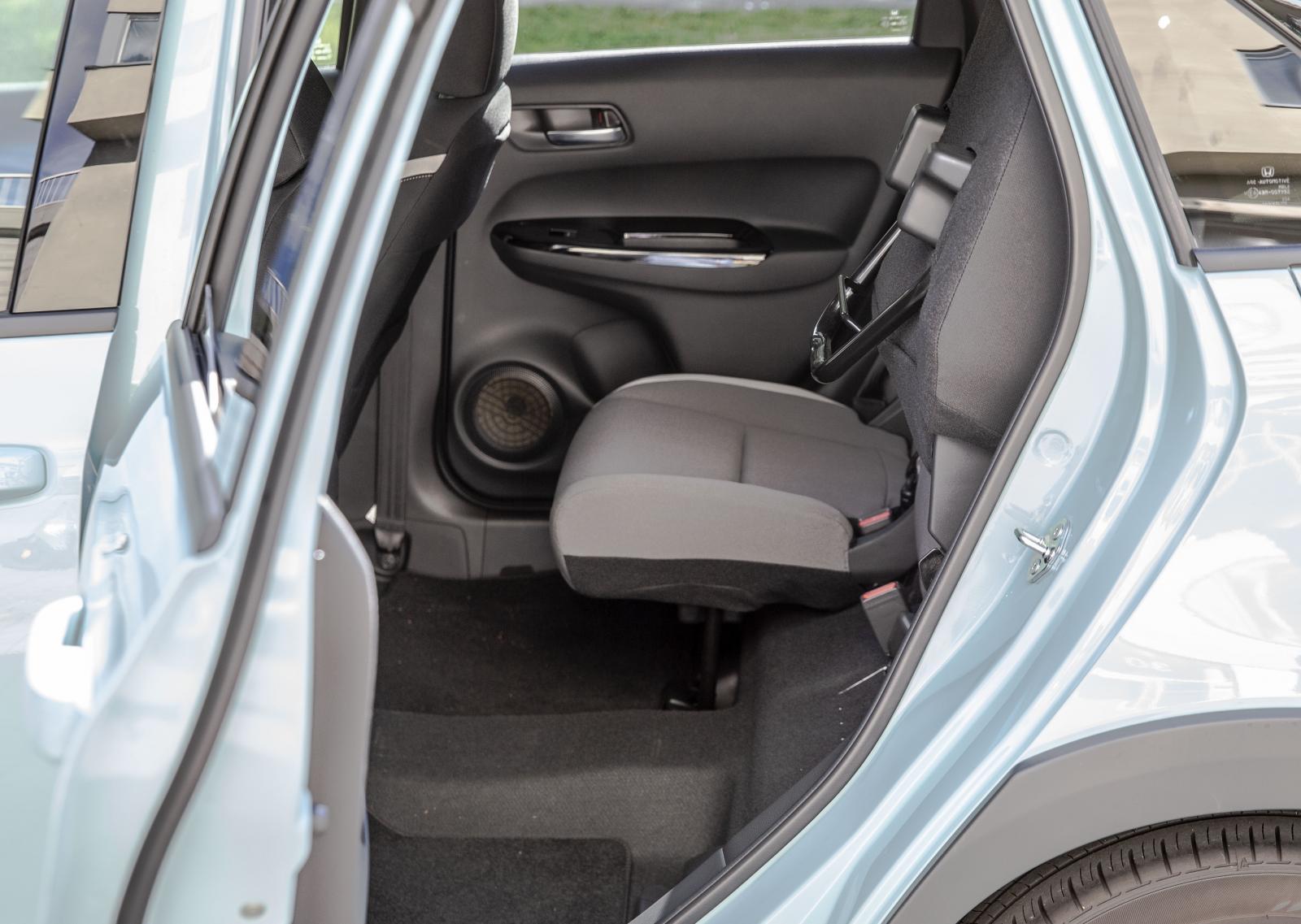 Baksätets stolar kan fällas upp individuellt för skrymmande last.