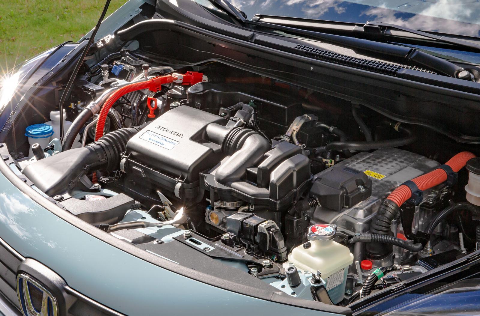 Elhybriden drivs av två elmotorer och en bensinfyra på 1,5 liter.