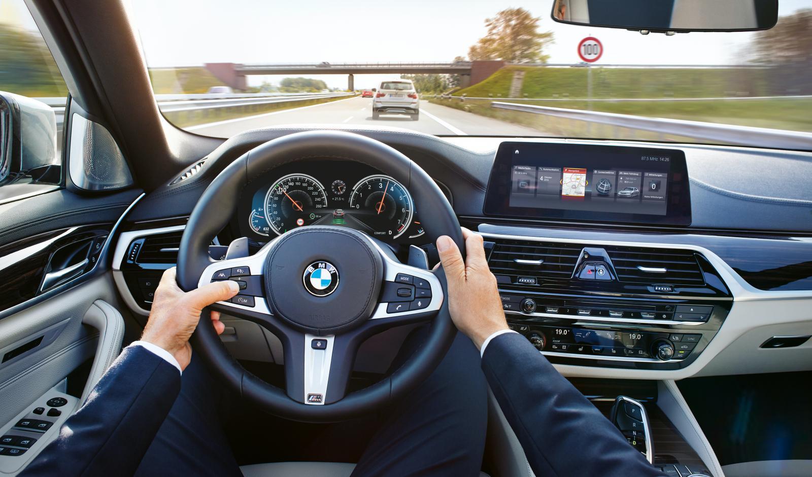 BMW lyckas halvbra i testet. Förarna klagar på att systemet går att aktivera även på vägar det inte kan hantera.