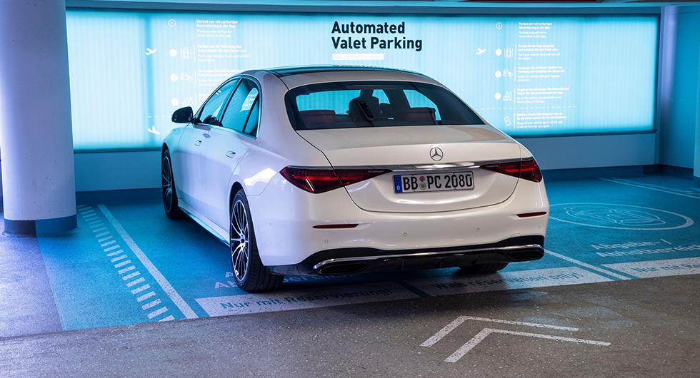 Mercedes och Bosch testar självparkerande S-klass