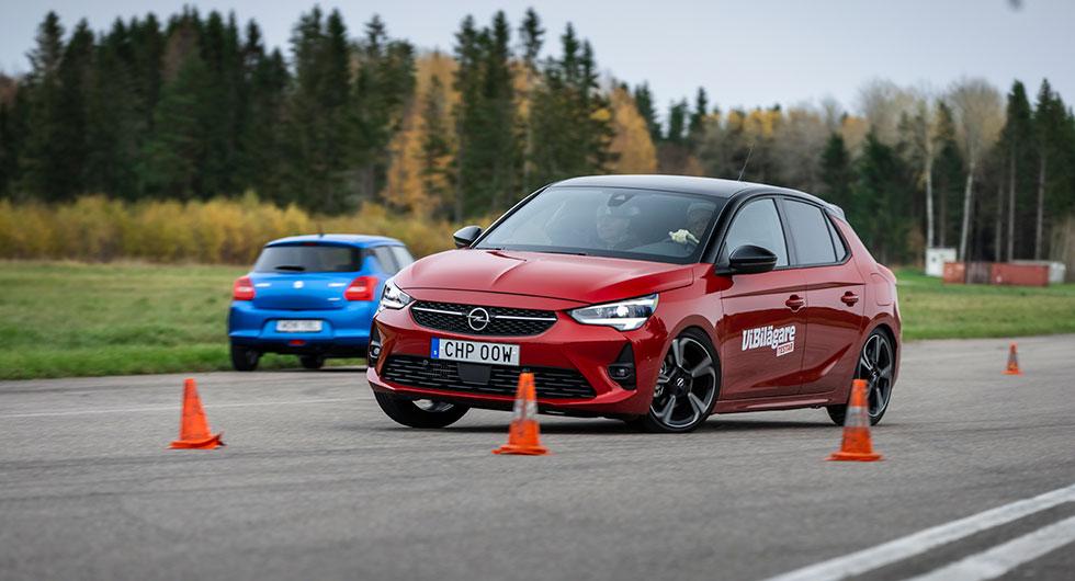 Opel bromsar resolut men är lättkörd genom hela manövern.