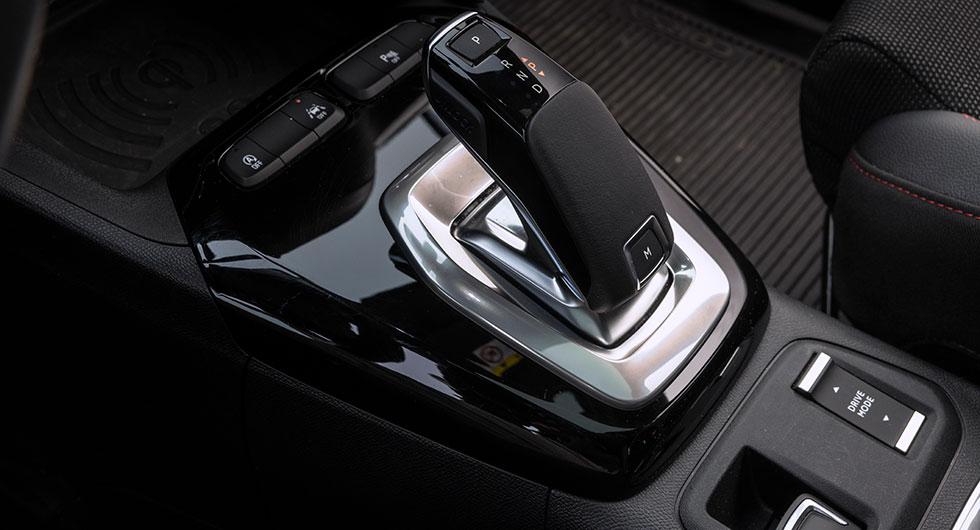 En bekant växelväljare. Koncernmamma Peugeot hälsar.