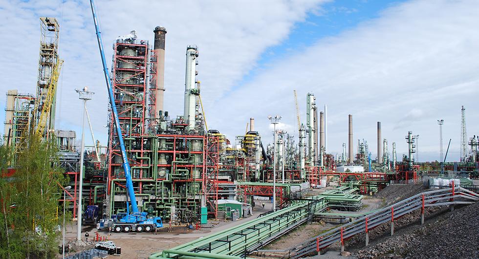 Mer än hälften av all HVO som tillverkas i världen kommer från finska Neste. Bland annat från fabriken i Borgå, fem mil öster om Helsingfors.