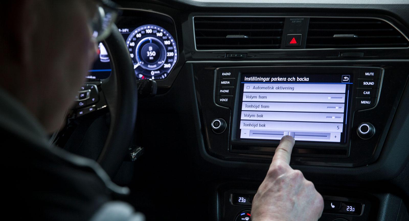 I VW Tiguans meny kan både tonhöjd och styrka på pipljuden justeras individuellt för de främre och bakre sensorerna. Men trots den finessen är VW:s system ett av de mer stressframkallande...