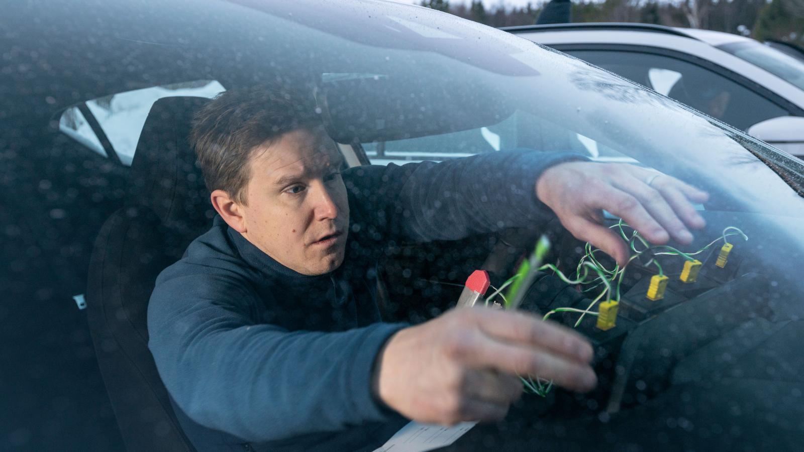 Utöver klimatanläggingarnas effektivitet mäter vi också stols- och rattvärme.