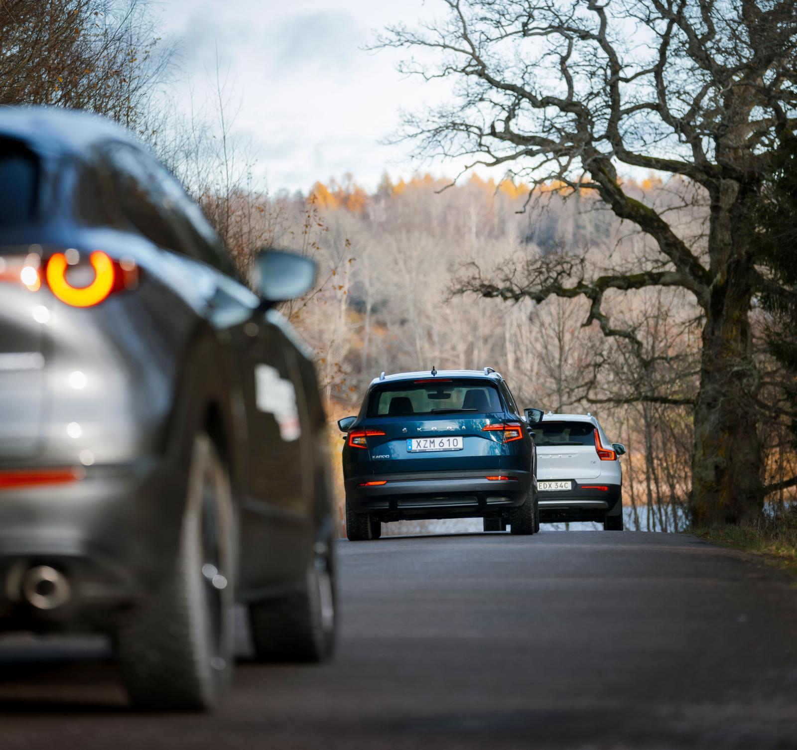 Mazda har inga problem att hänga på Volvo och Skoda i fartresurser, inte heller att köra om dem.