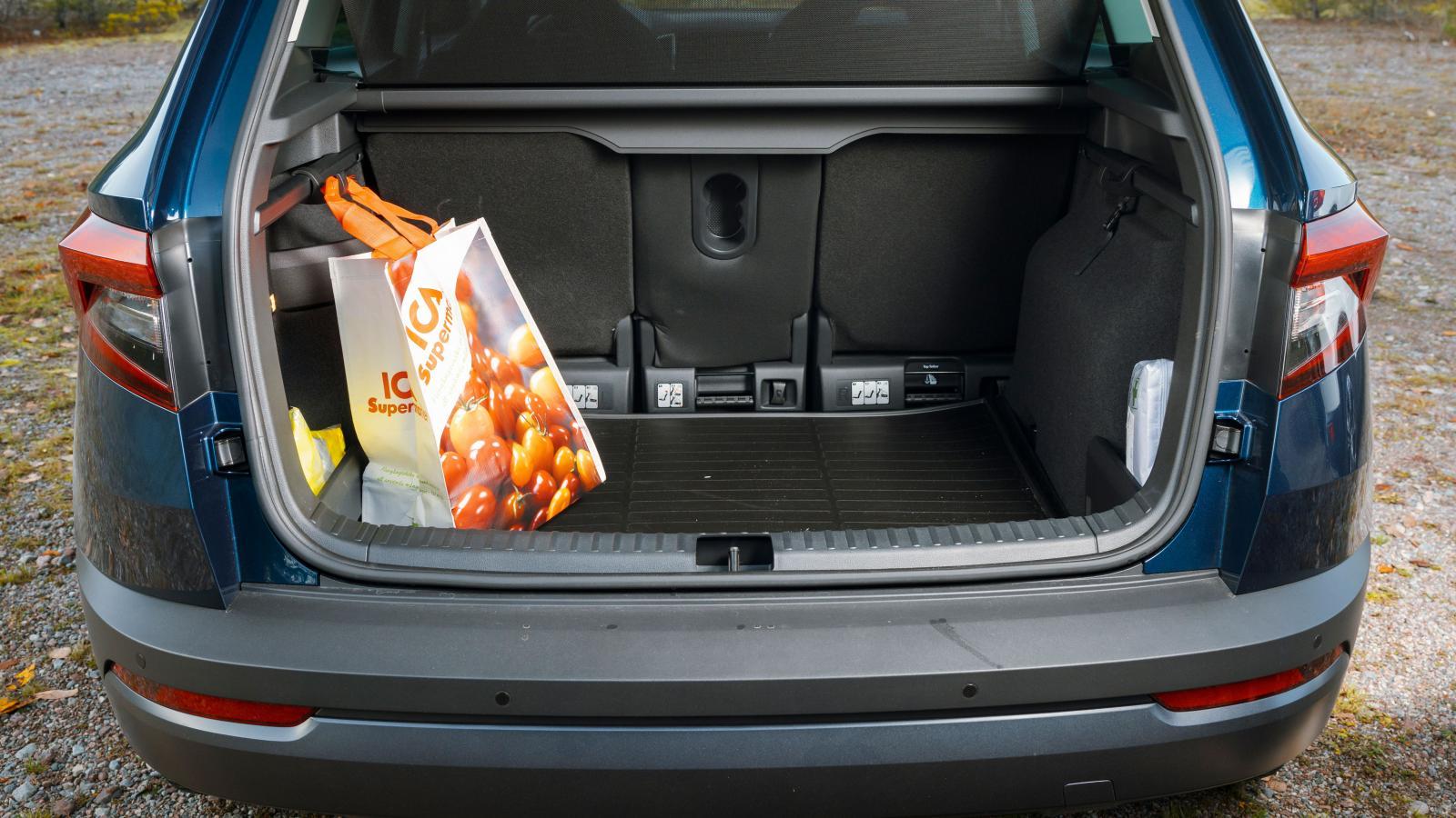 Bäst lastutrymme, bäst flexibilitet och gott om underlättande detaljer – Karoq är bäst på last.