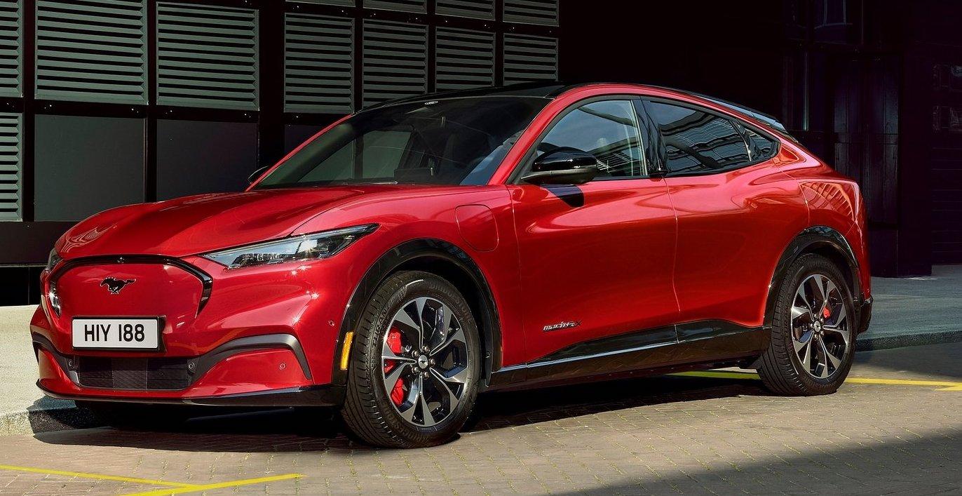 Fords nya elbil Mustang Mach-E har väldigt olika förbrukningssiffror beroende på version. Den snålaste versionen drar 165 Wh/km och den törstigaste 18 procent mer, 195 Wh/km.