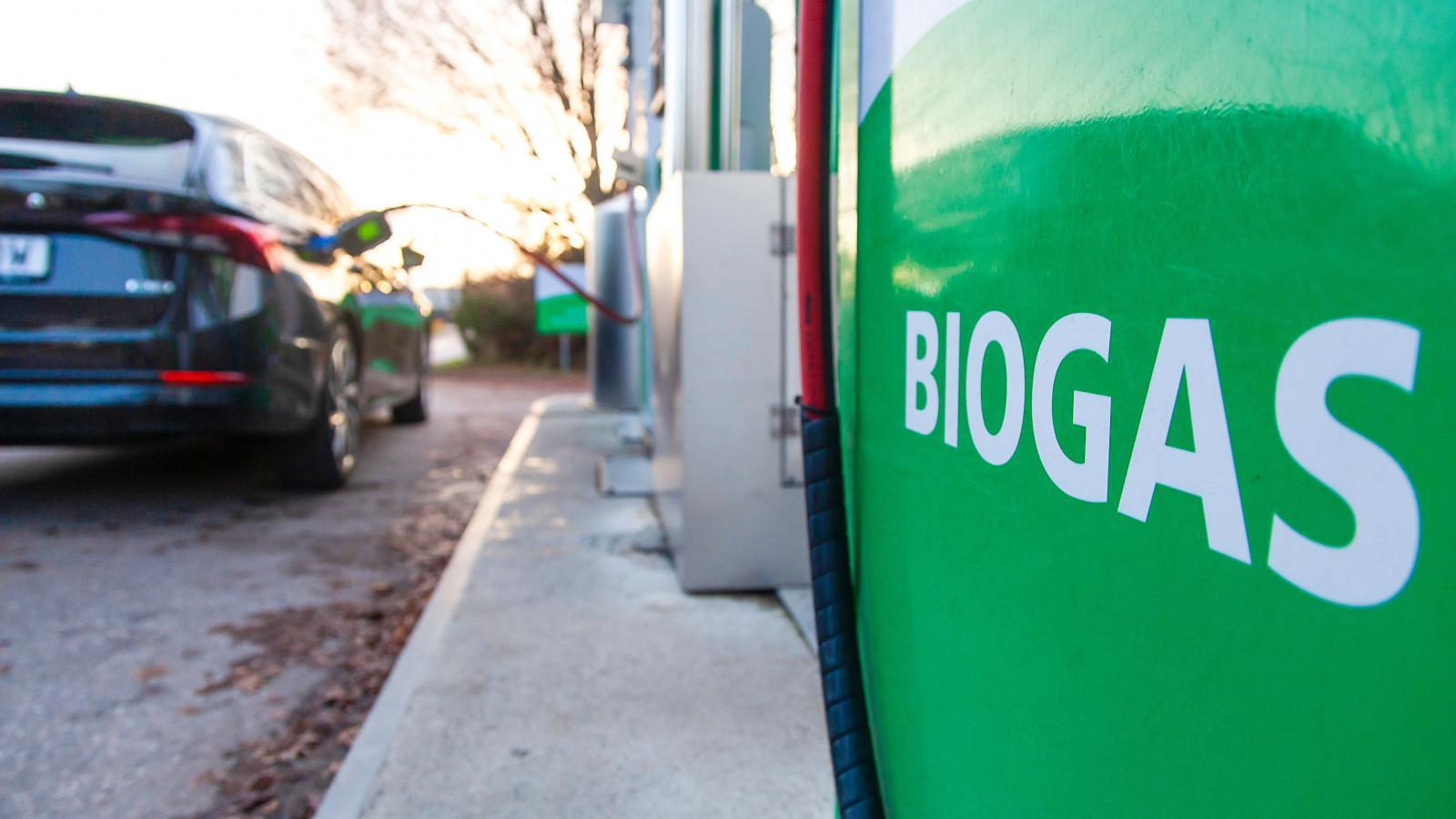 Tankas bilen med biogas blir den näst intill klimatneutral.