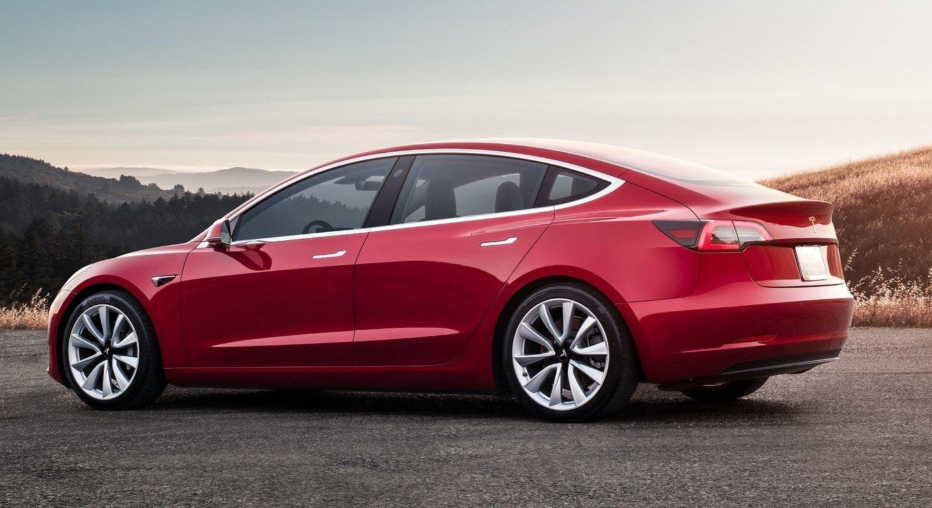 Förra året registrerades 21 procent färre nya Teslabilar än året innan.