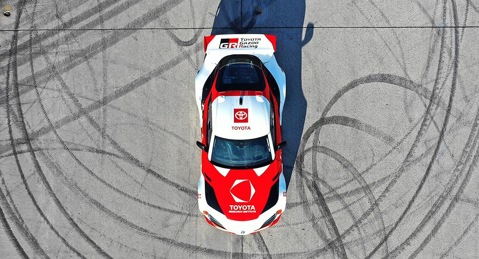 Toyota GR Supra kan sladda själv – ska göra framtidens bilar säkrare