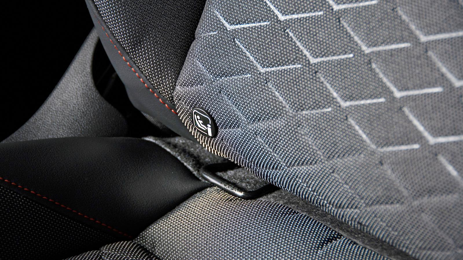 Både Seat och VW har Isofix i  passagerarstolen som standard.