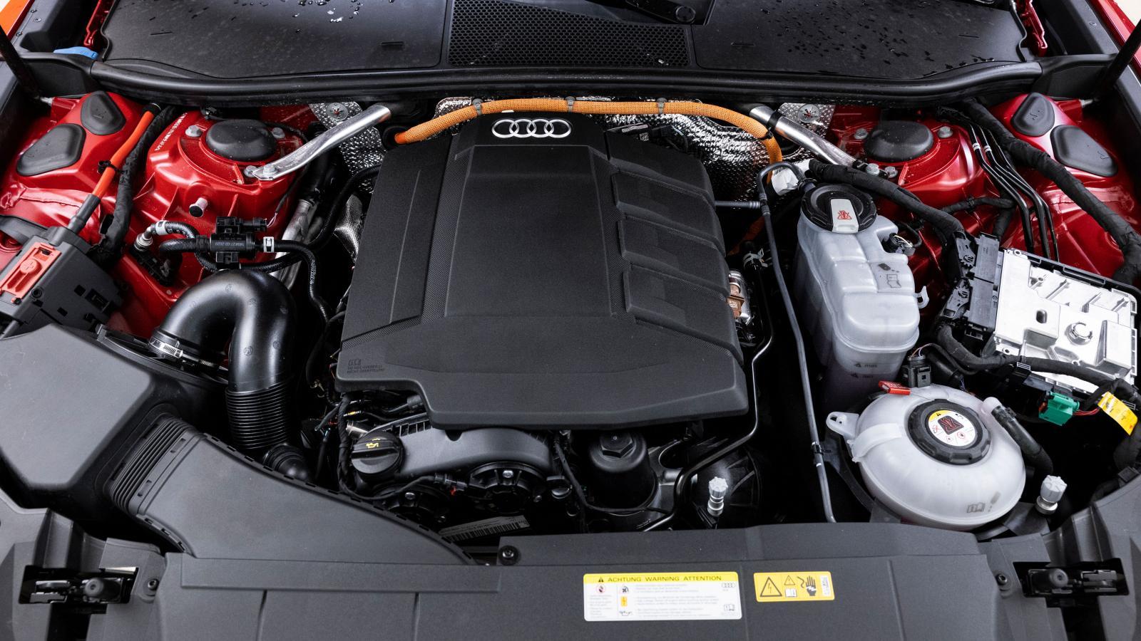 Högst effekt, rejält med riv. Audi har verkligen fått till drivkällorna. A6 går snålare än Volvo och längst på el. Fin växlingskultur utom i krypfart och vid start.
