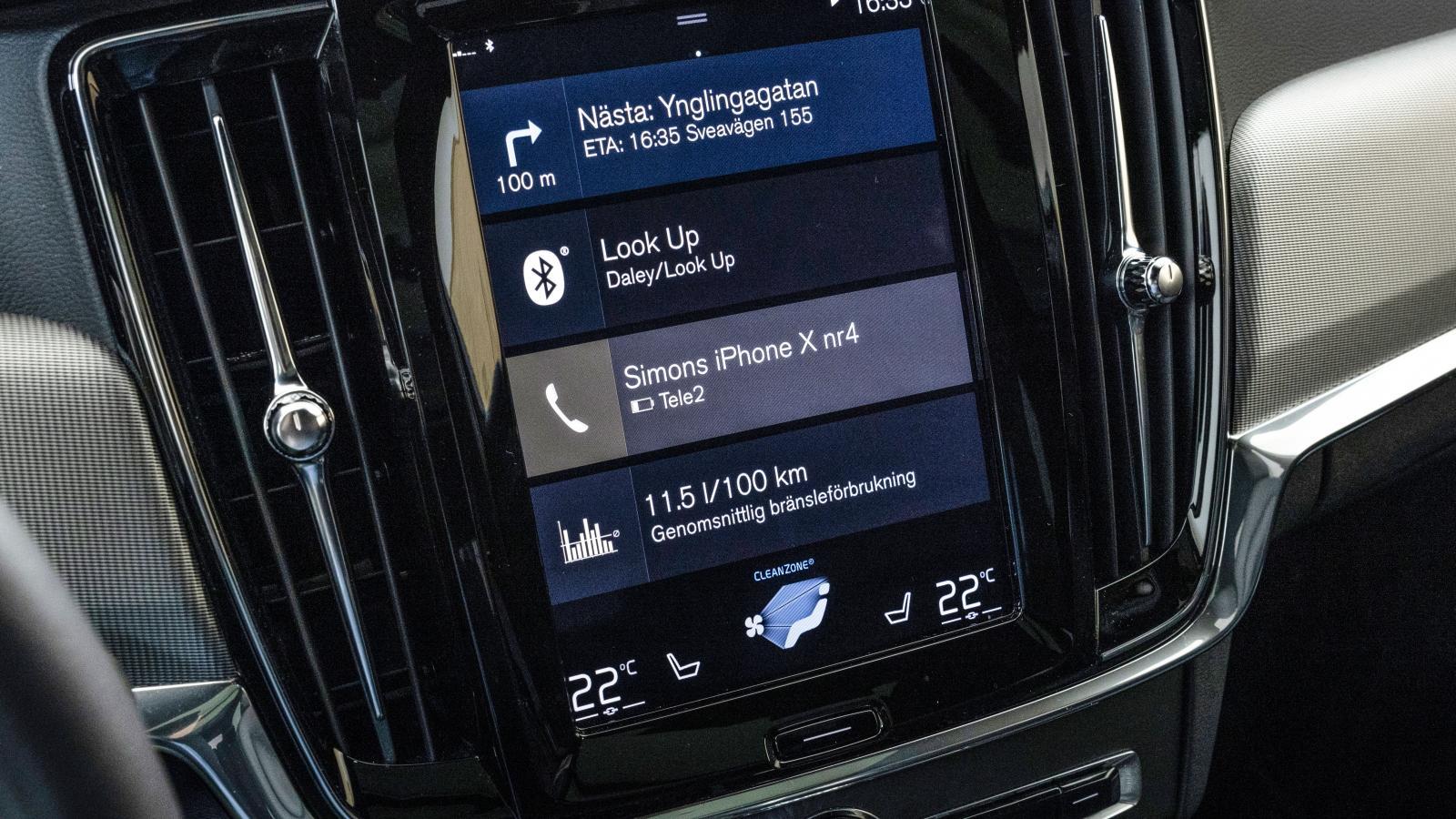 Volvo: Sensus-systemet har hängt med länge. Det är ganska lättanvänt och funktionerna kan möbleras efter smak. Helheten sackar dock jämfört med Audi och Mercedes.