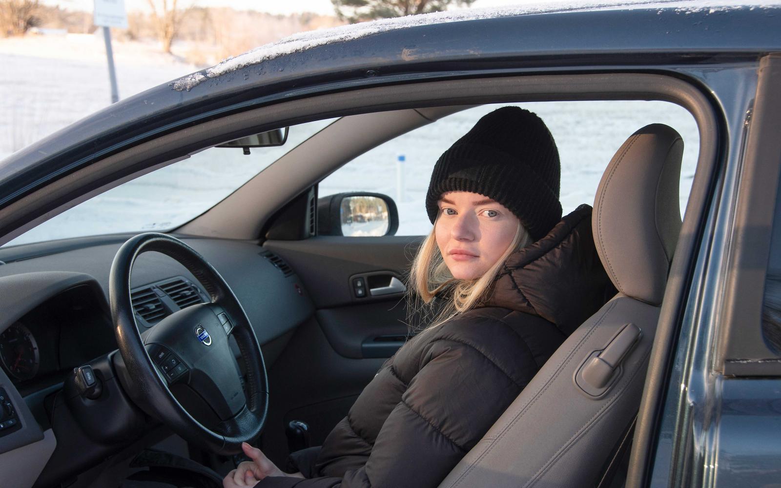 Bakom ratten fick Jill Rönningen en chock när ABS-systemet inte längre fungerade.