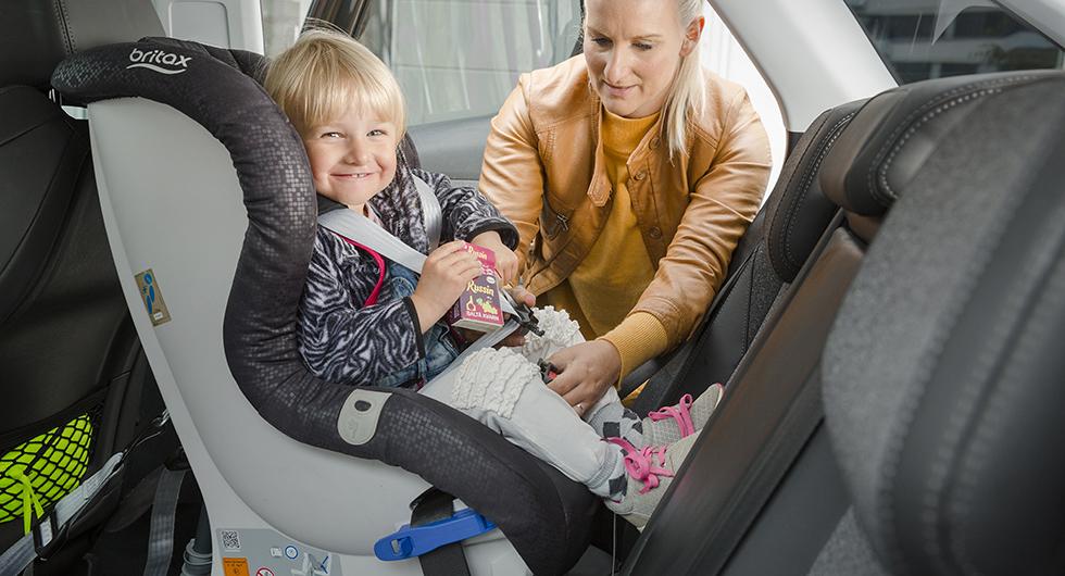 Svenska barn åker bakåtvänt allt längre