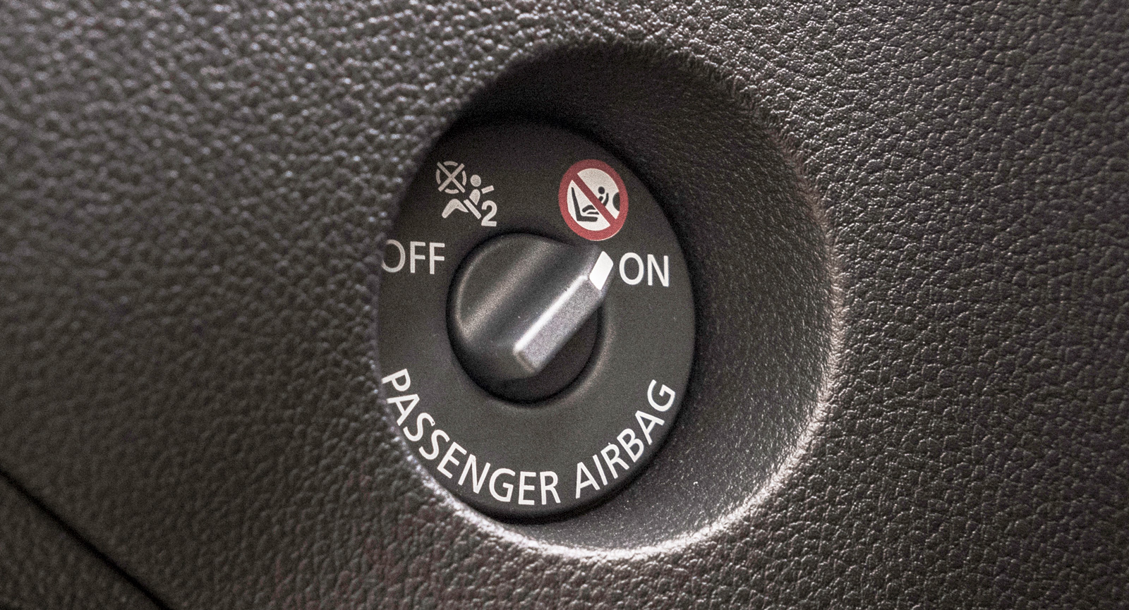 Vred för avaktivering av passagerarkrockkudden i Dacia.