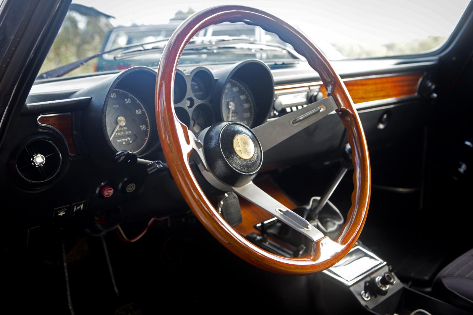 Jean-Philippe Imparato vill återskapa känslan av att sätta sig i en Alfa Romeo från 1960-talet i dagens modeller.