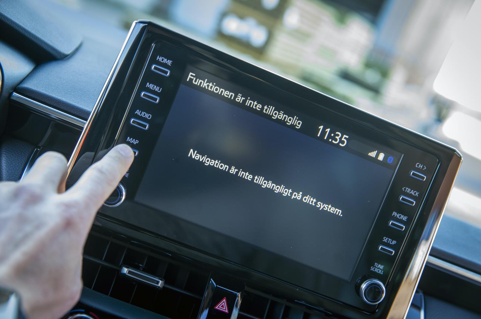 """""""Funktionen är inte tillgänglig."""" Navigator saknas men det går att spegla kartan från mobilen."""