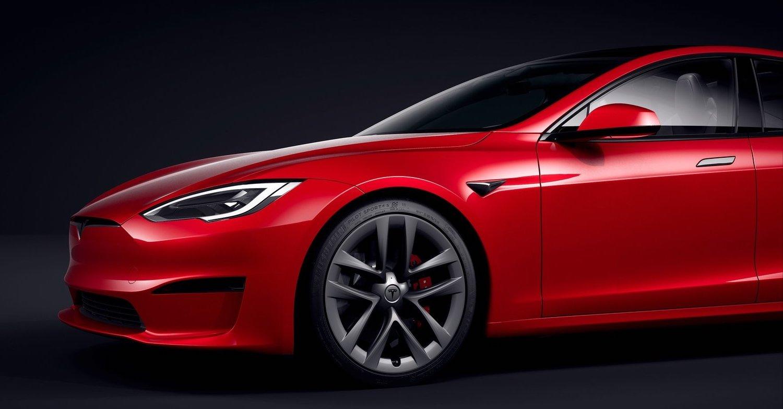 Tesla kommer sist i den nya genomgången av självkörande system och strategier.