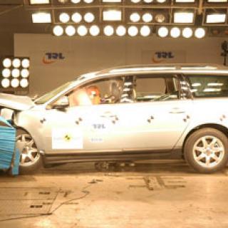 Toyota Avensis säkraste bilen - igen