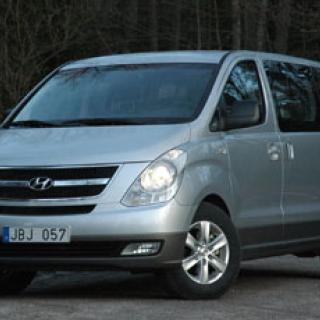Hyundai återkallar Santa Fe och Trajet