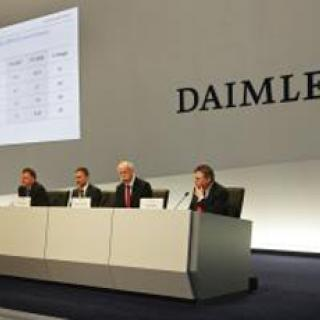Volvo fortsätter rasa - förlorar 1,8 miljarder