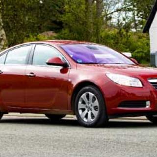 Tre bolag kämpar om Opel