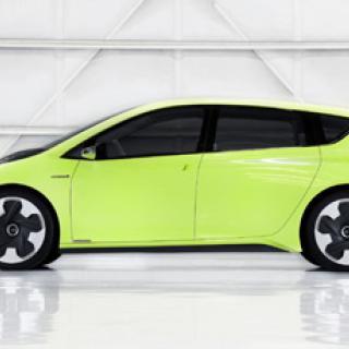 Toyota inleder samarbete med Tesla