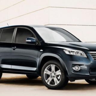 Toyota laddar upp med litium