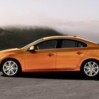 Se Volvo S60 krascha