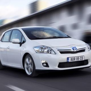 Toyota återkallar 1,5 miljoner bilar