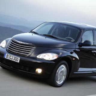 Chrysler återkallar nästan 700 000 bilar