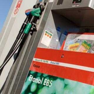 Bilfrågan: Skadligt att bara tanka etanol?