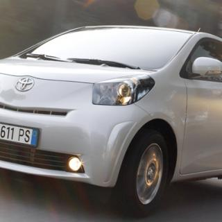 Smart vs Toyota iQ - småbilskampen